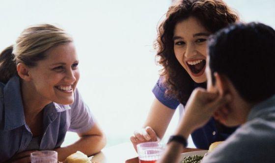 5 benefici che ci offrono gli amici