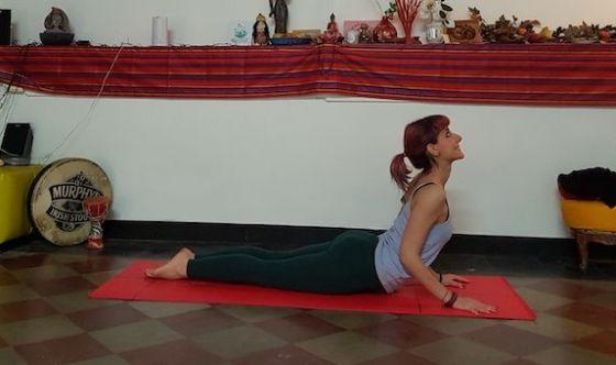 Lo yoga per la Cifosi