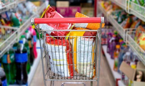Limitare il consumo di cibo confezionato