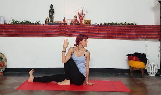 Regolare l'intestino grazie allo yoga