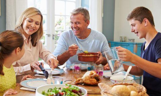 Mangiare con calma aiuta la digestione