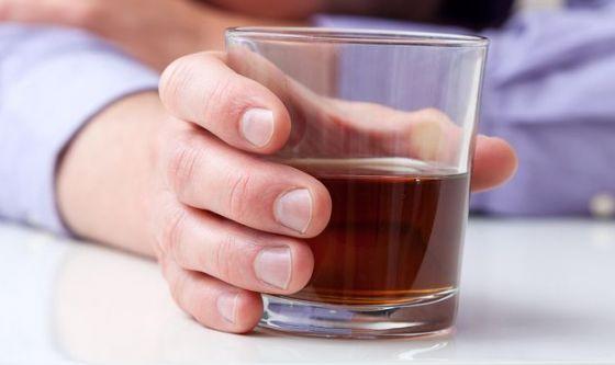 Semaforo rosso per alimenti raffinati e alcolici