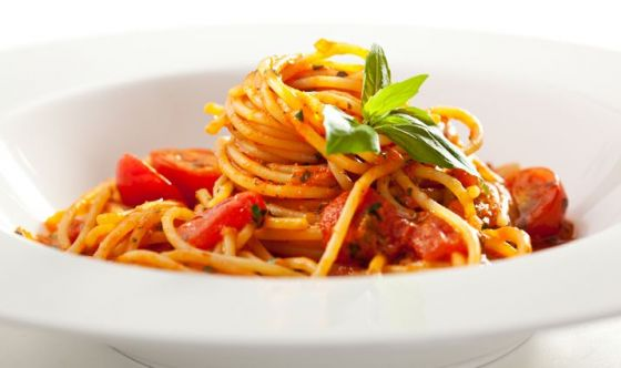Un classico che non muore mai: spaghetti al pomodoro