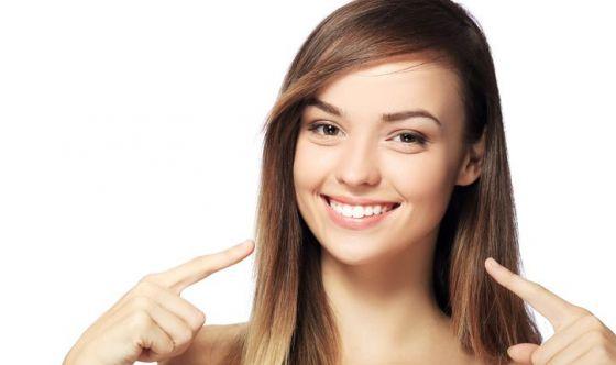 5 alimenti che migliorano il sorriso