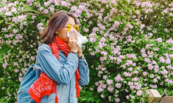 Soffiare il naso nel fazzoletto