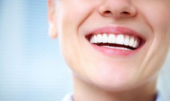 Gli sbiancanti naturali per i denti