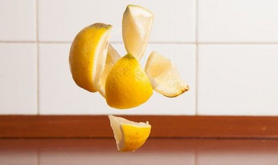Stoviglie lucide come un limone