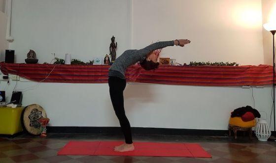Seno sollevato e sodo con lo yoga