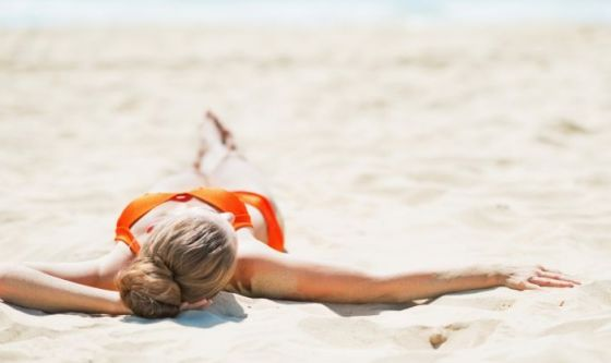 Abbronzarsi troppo in fretta fa male: VERO