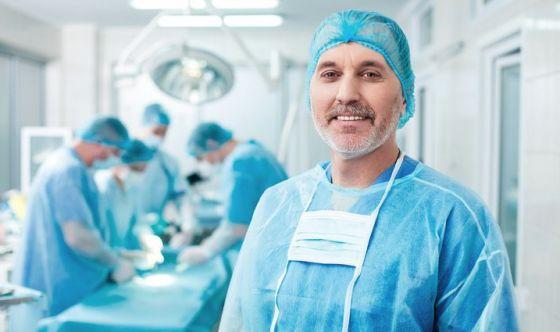 Raccogliere informazioni sul chirurgo scelto