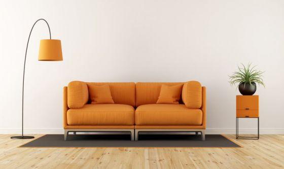 Sul divano di casa
