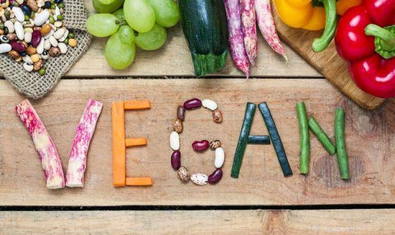 Dieta vegana: bisogna integrare?