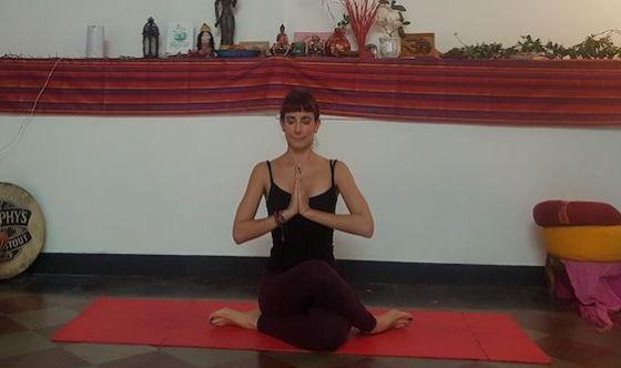 Segui il flusso con lo yoga