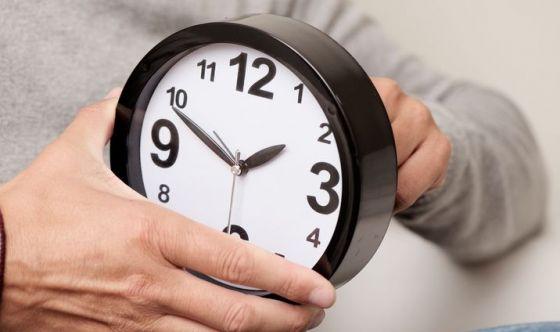 Spostare la sveglia indietro