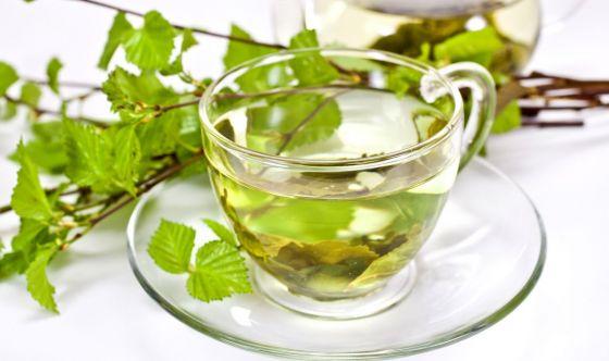 5 piante per depurare l'organismo e sgonfiarsi