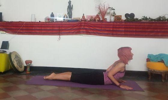 Controllare la risposta allo stress con lo yoga