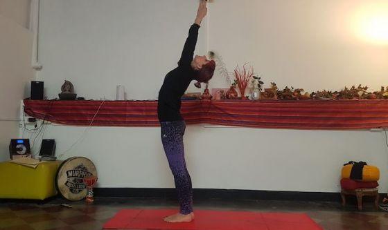 Un busto più elastico con lo yoga