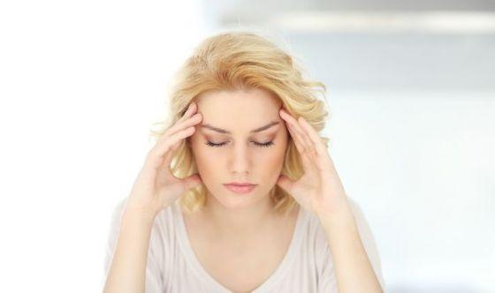 Riduce il mal di testa e i dolori muscolari