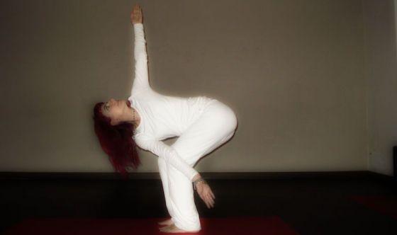 Muovere gambe e braccia