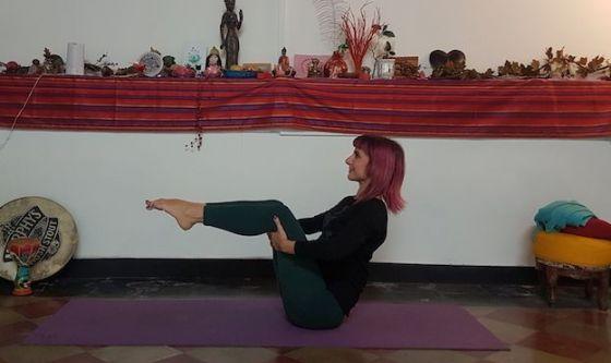 Spina dorsale giovane con il Pilates