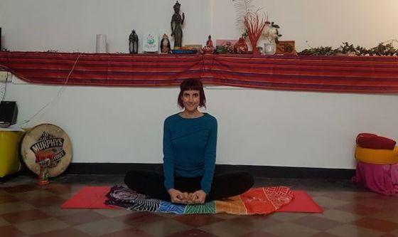 Abituarsi al nuovo orario con lo yoga