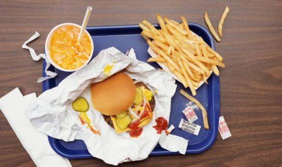 Attenzione a fast food e cibo da asporto