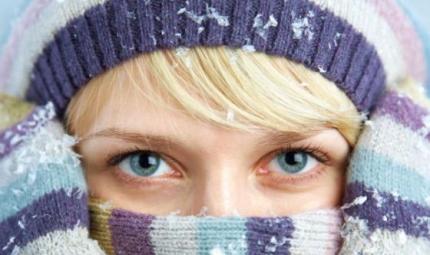 Guanti, sciarpa e cappello: coprirsi bene fa bene