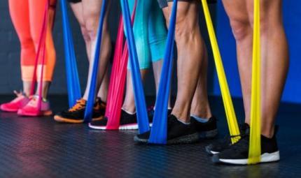 Pilates: la camminata con l'elastico