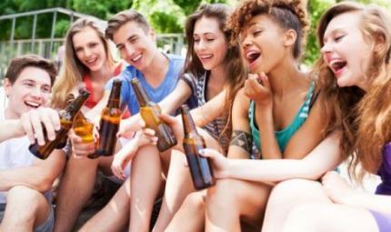 Preoccupa l'aumento del consumo di alcolici tra i minorenni