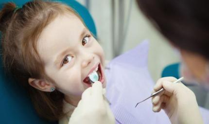 Carie nei bambini: troppo diffusa, controlli gratis