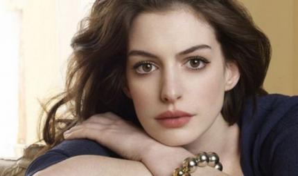 Anne Hathaway dal pancione alla palestra