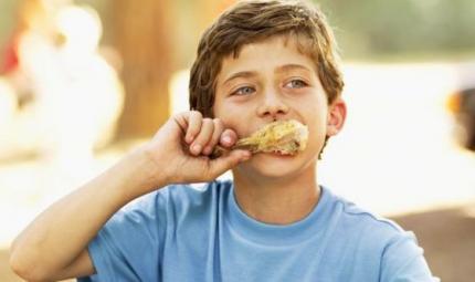 Bimbi: pollo in tavola, tutti i benefici