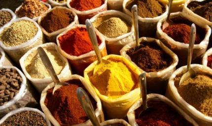 5 spezie che non devono mai mancare nella nostra dieta