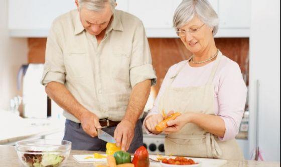 Dopo i 50 anni meno calorie, muscoli più forti
