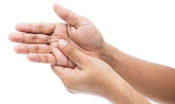 Malattia di Dupuytren: addio al bisturi, basta un'iniezione