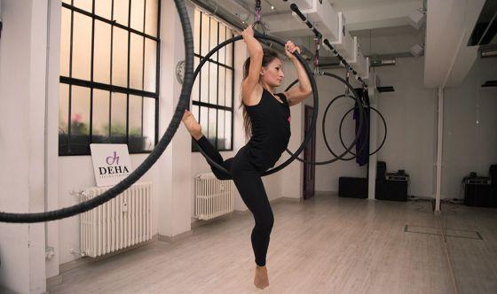 Aerial Hoop: danzare sospesi, agganciati ad un cerchio