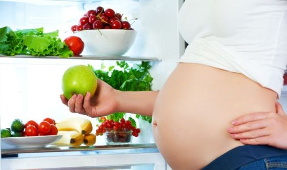 Alimentazione in gravidanza: le regole da ricordare