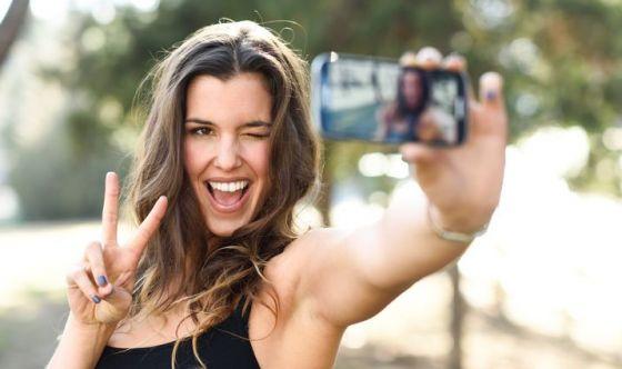 Chirurgia estetica, boom di ritocchi al naso per i selfie