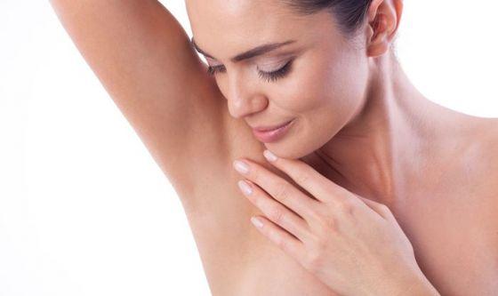 Ascelle: 4 consigli per depilarle senza irritazioni