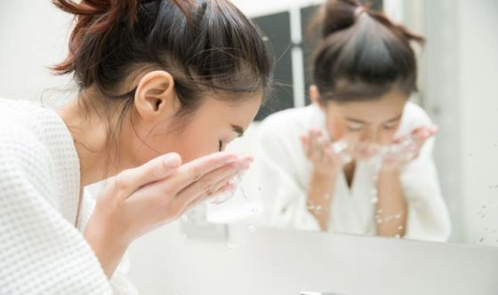 Bellezza: l'acqua calcarea può fare male a pelle e capelli