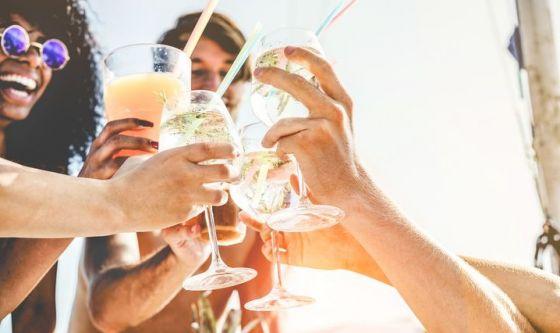 Estate e alcol: un binomio che può essere rischioso