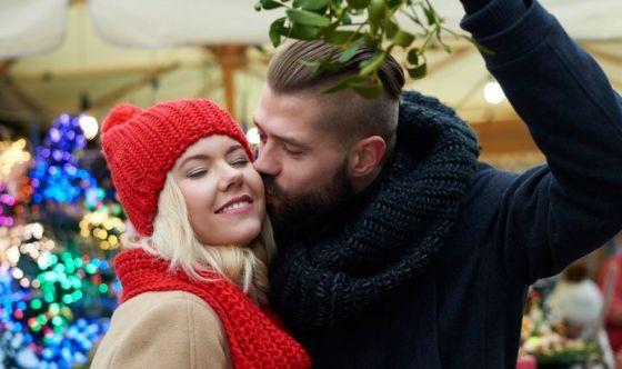Bacio sotto il vischio: 10 regole per prepararsi