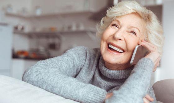 Come rassicurare e convincere a casa gli anziani
