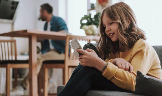 Smartphone come babysitter? 5 rischi da non sottovalutare