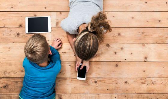 Dai pediatri no all'uso di device prima dei due anni di età
