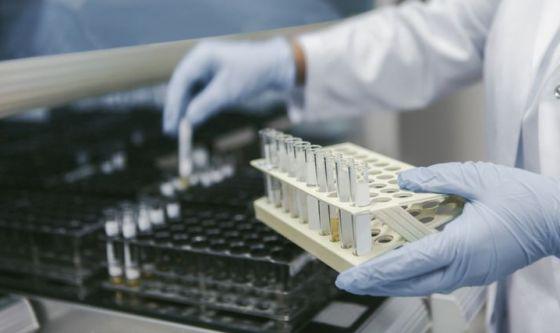 Anticorpi bispecifici contro il cancro
