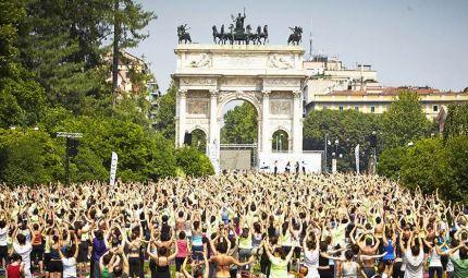 A Milano la più grande masterclass italiana di yoga
