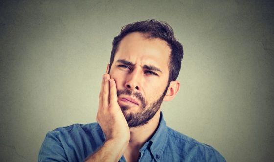 Malattie dei denti confuse con il mal di testa