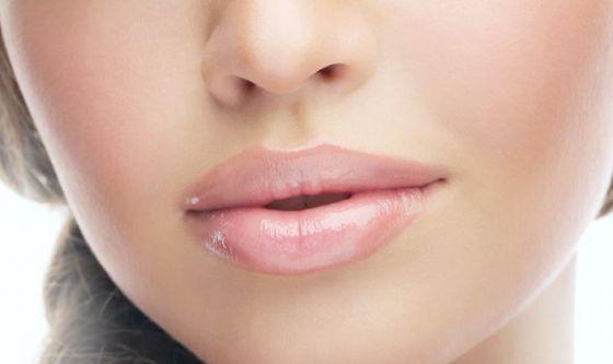 Dai filler al lip fit, le soluzioni per labbra più carnose