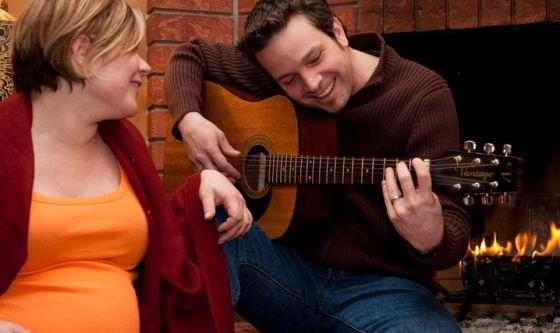 Cantare al nascituro affinché pianga di meno
